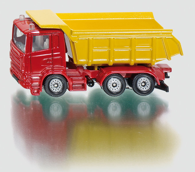 1075 - Truck with Tipping Trailer