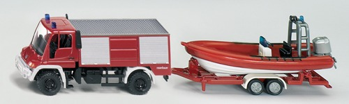 1636 - Unimog Fire Engine with Boat