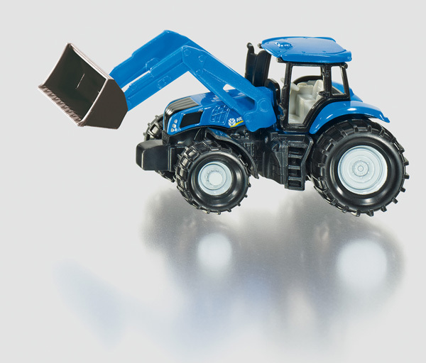 1355 - New Holland with Front Loader