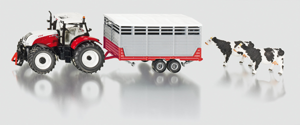 3870 - Steyr with Livestock Trailer