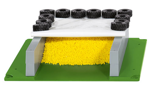 5606 - Sikuworld Silage Clamp with Cover, Tyres etc